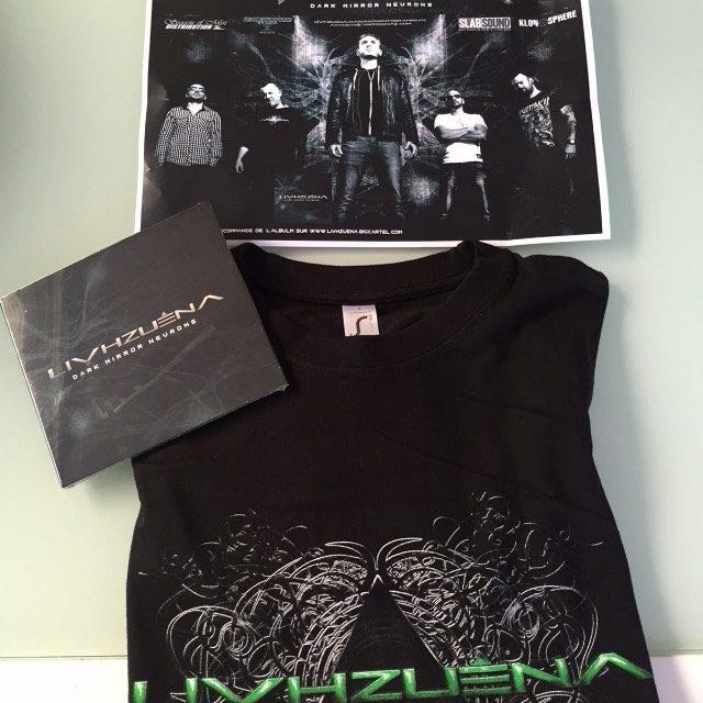 Merchandising T-shirt pour le Groupe Livzhuena
